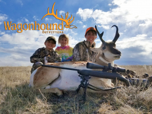 Dee Ann, Brooke, and Tanner McCarty 2018 Hunt at Wagonhound Land & Livestock with Wagonhound Outfitters