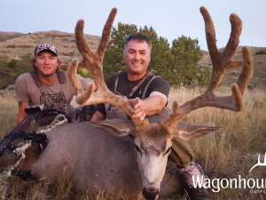 Gon Sanchez 2018 Hunt at Wagonhound Land & Livestock with Wagonhound Outfitters